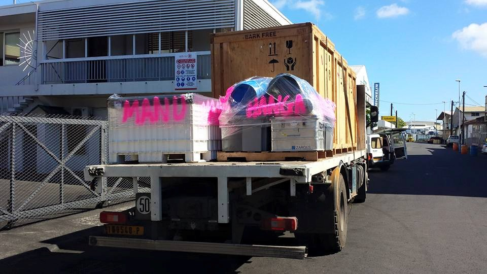 Buckets and equipment being trucked from warehouse to wharf_18876937830_o