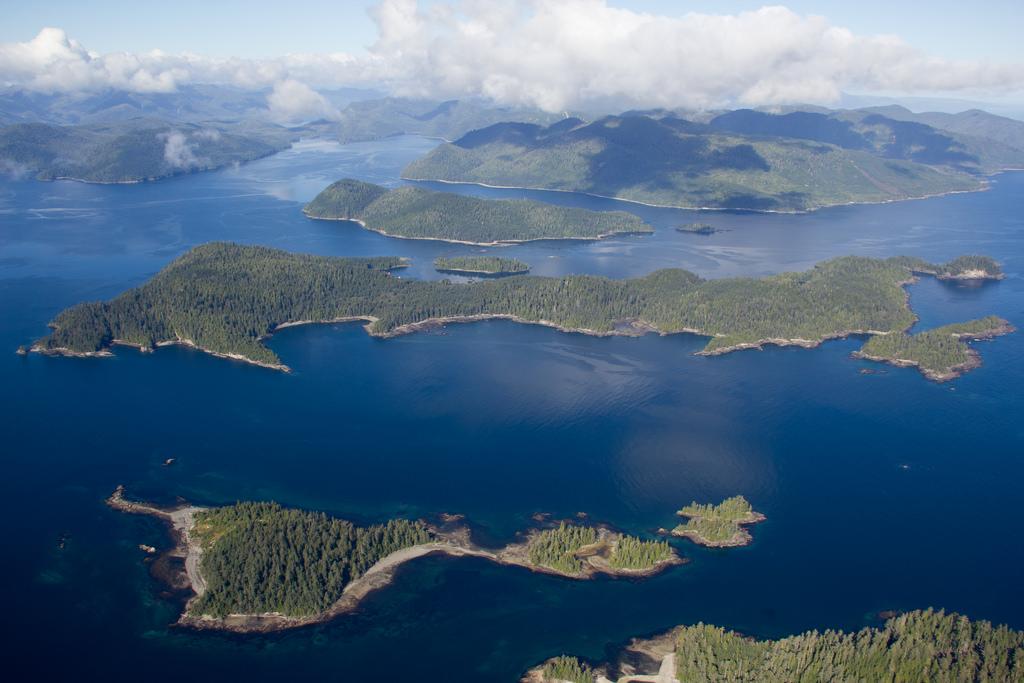 island-conservation-science-arichika-island-haida-gwaii-british-columbia-canada- (1)