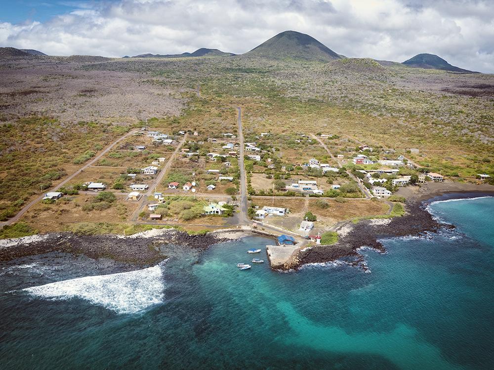 island-conservation-preventing-extinctions-floreana-landscape-shore