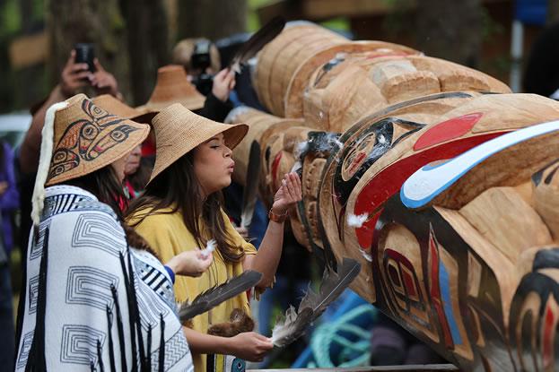 island-conservation-haida-gwaii-women