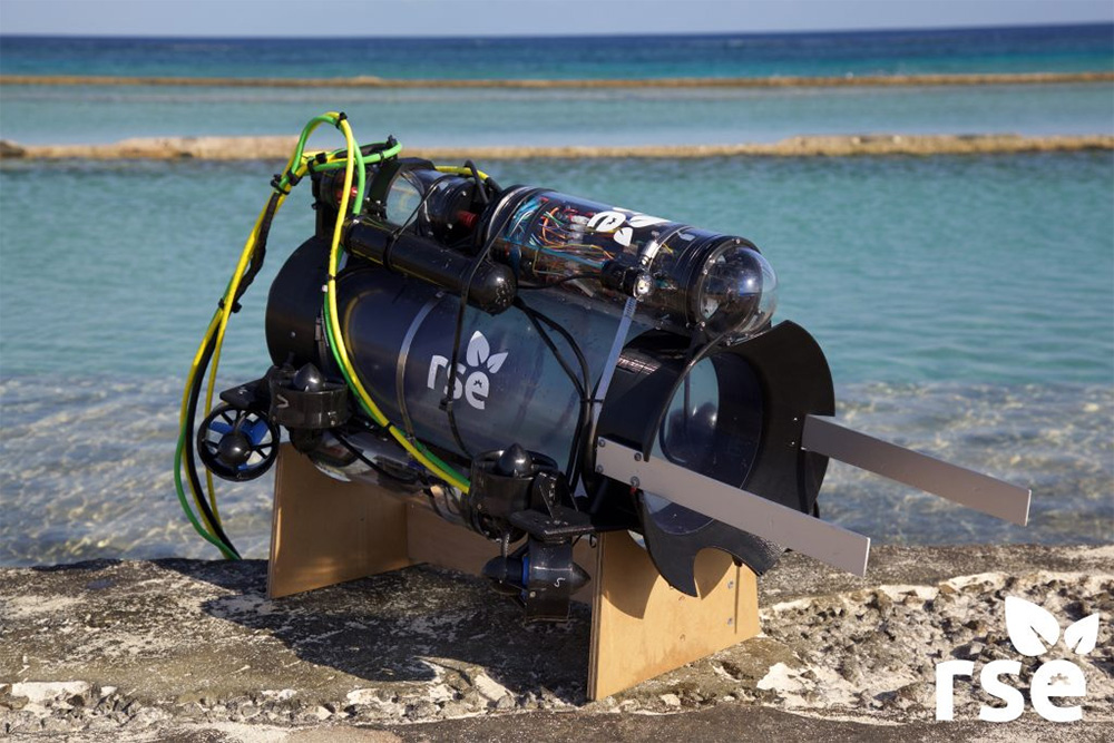 island-conservation-preventing-extinctions-RSE-robot-lionfish-roomba